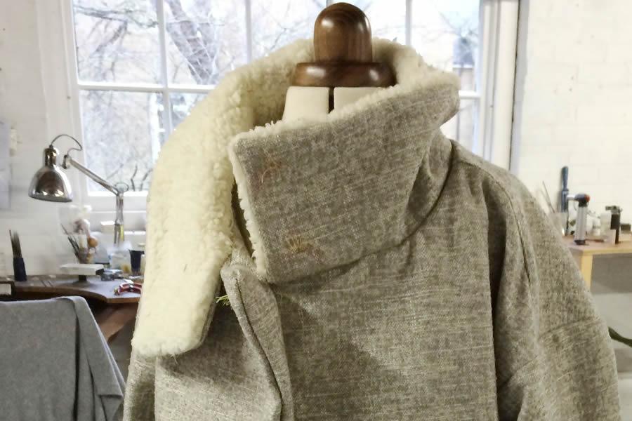 coat-on-dummy