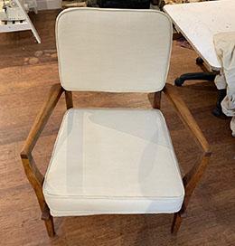 Testimonial Mags Chair